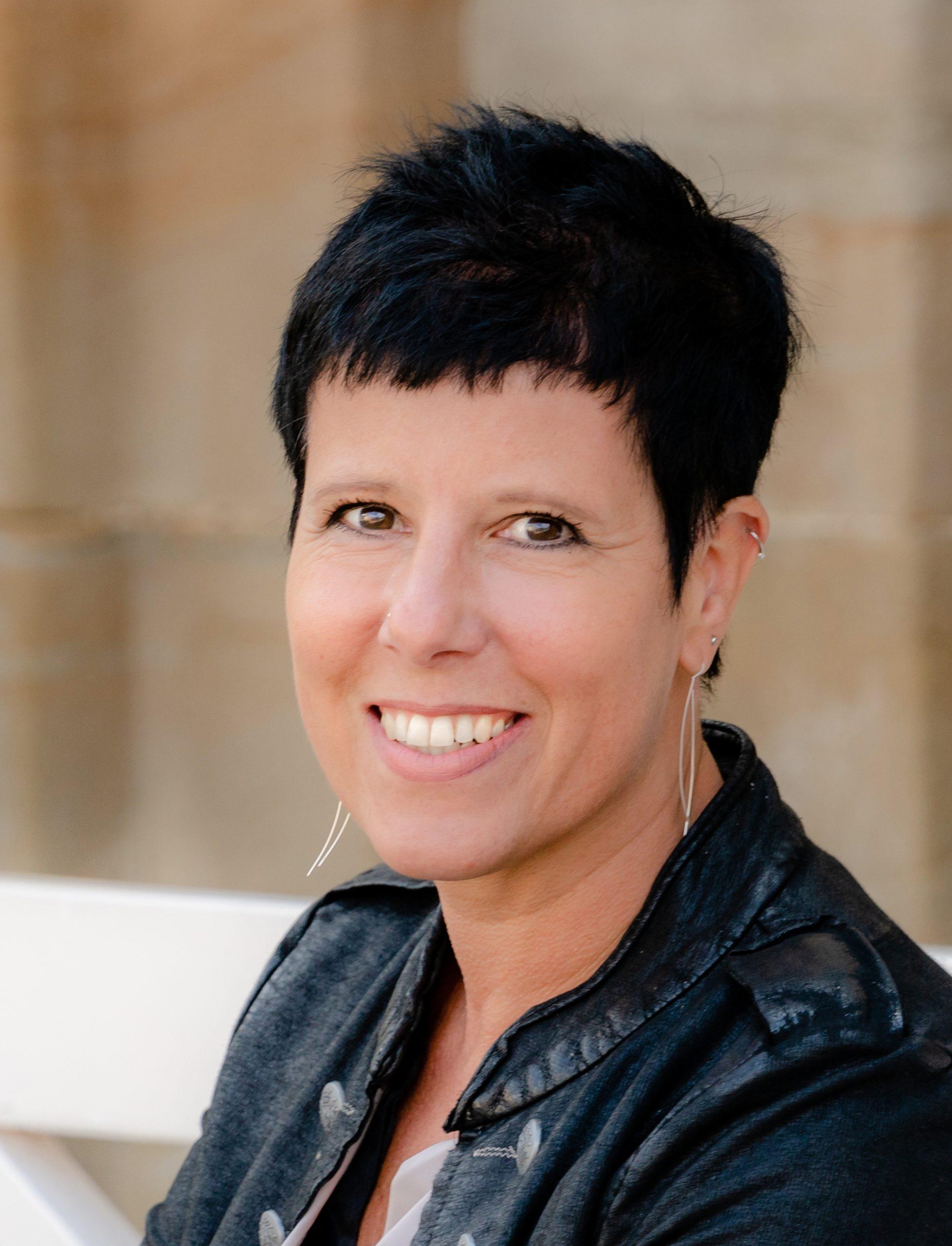 Angelika Peetz