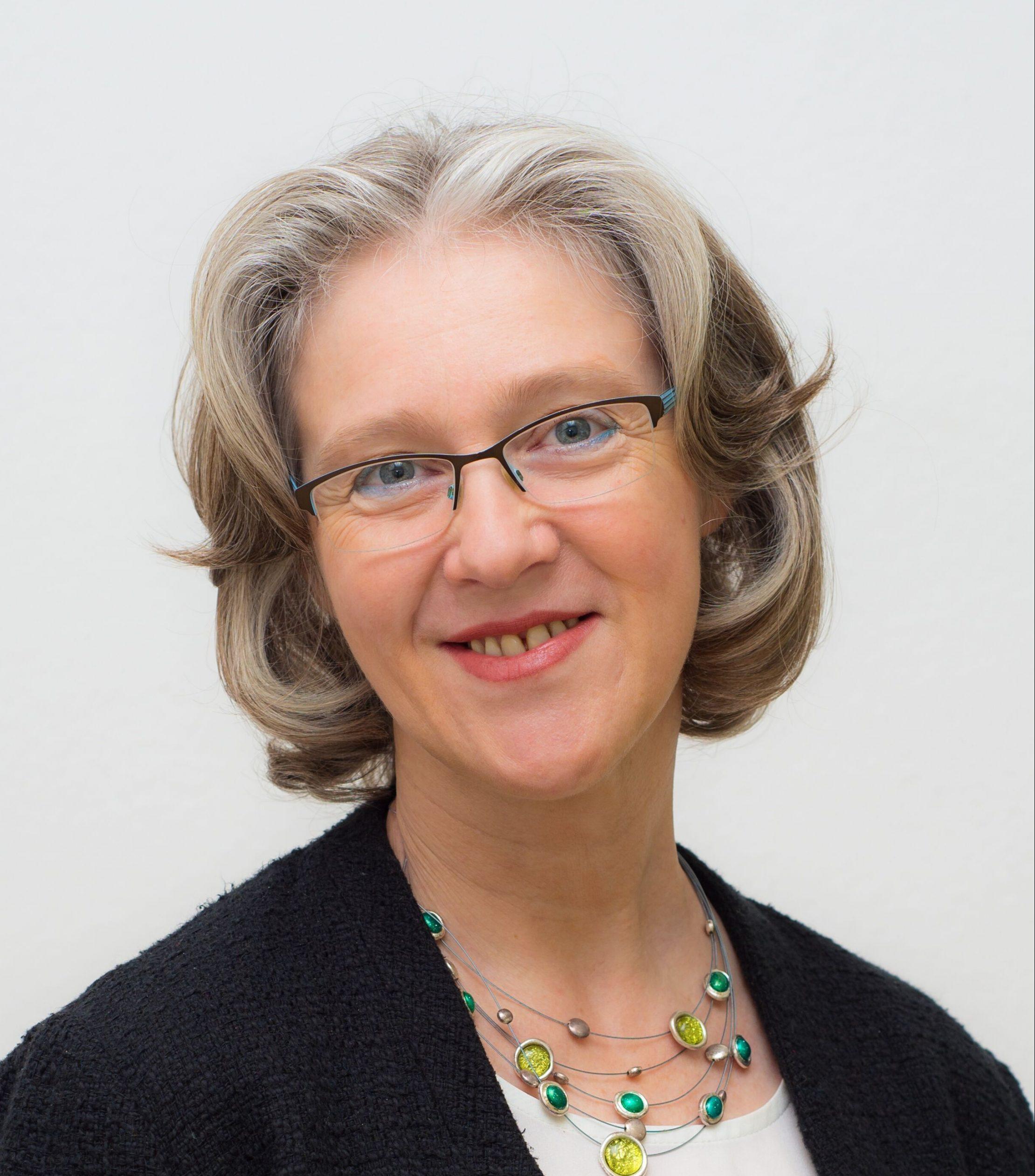 Dr. Cleo Becker